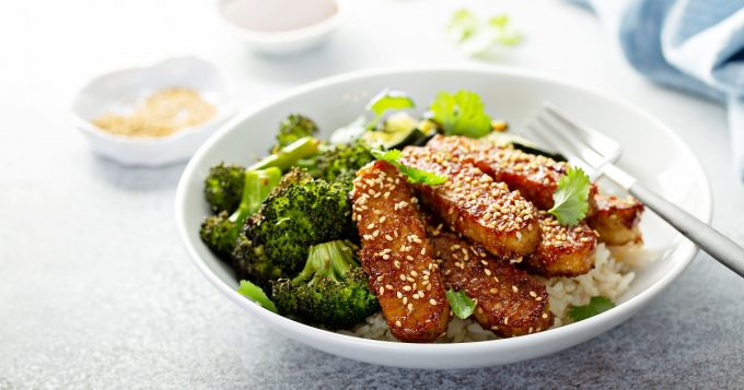 Tempeh with rice and vegetables