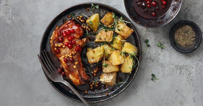 Pork chop with apple cranberry sauce